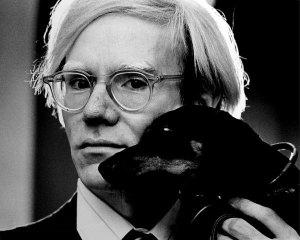 El artista Andy Warhol.