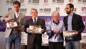 Diego Godín y Juanfran Torres junto a Cerezo y Siemens. / Foto: Europa Press.