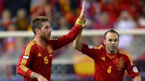 Futbolistas como Andrés Iniesta o Sergio Ramos se vuelcan en la subasta solidaria de Moral de Calatrava