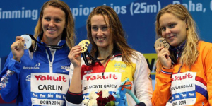 Belmonte sonríe con su cuarta medalla al cuello. / Foto: www.rfen.es