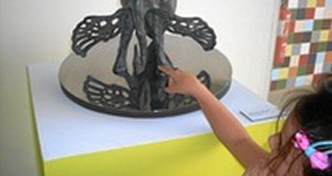 El Museo de Arte Moderno de Cartagena organiza una visita táctil a la obra de Dalí