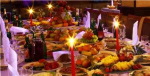 Las comidas y cenas navideñas deben hacerse con moderación para que nuestro organismo no se resienta.
