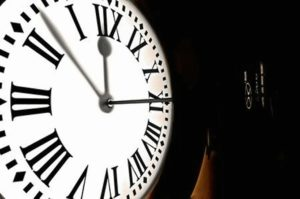 Reloj de la Puerta del Sol (Madrid). / http://www.horapunta.com