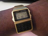 Reloj calculadora de los años 80.