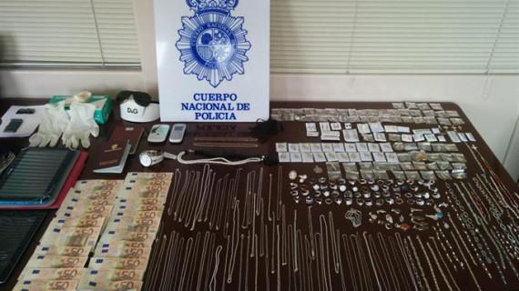 Desarticulado un grupo itinerante especializado en robos en viviendas y 'cogotazos'