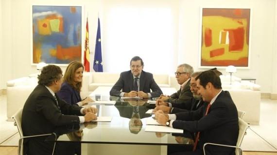 Gobierno, sindicatos y empresarios firmarán el acuerdo sobre la nueva ayuda a parados