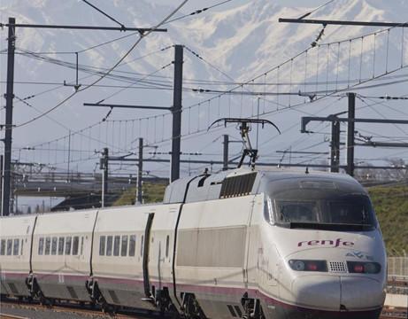 Fomento lanzará nuevas obras de ferrocarril hasta final de año
