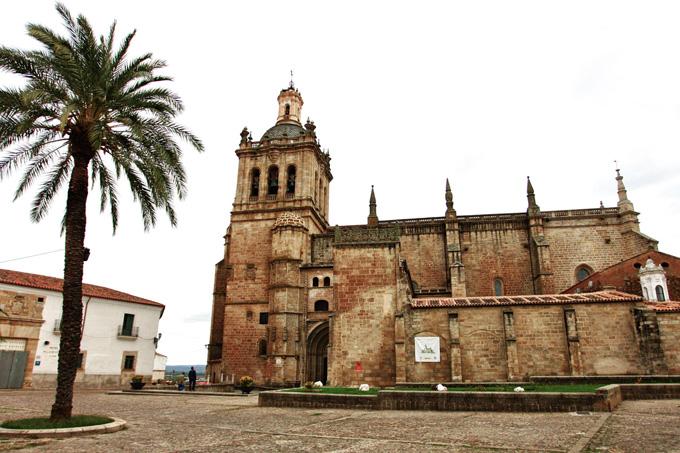 La localidad carereña de Coria presenta el Sagrado Mantel de la Última Cena como reclamo turístico