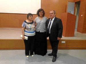 Ella y su familia se sintió muy orgullosa tras obtener el título de Doctora.