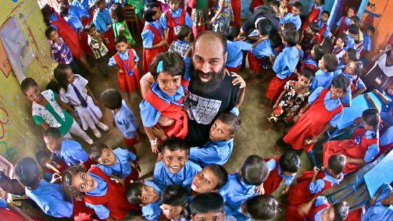 'Lights of hope' o cómo tres españoles crearon una escuela en la India
