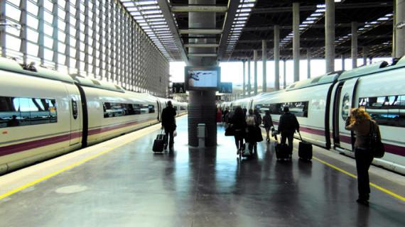 Detenido el hombre que amenazaba con explotar un tren de Cercanías a su llegada a Atocha