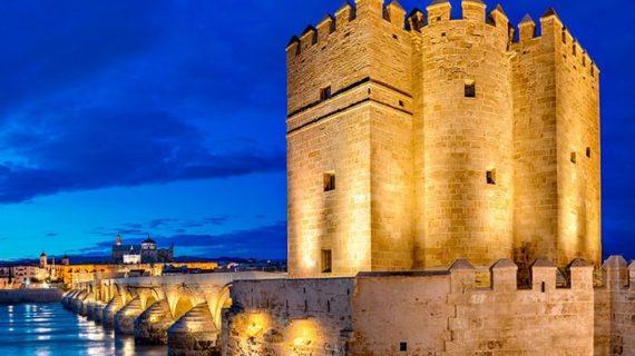 La historia de la cordobesa Torre de la Calahorra, una fortaleza llena de encanto