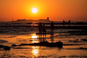 Atardecer en la playa de La Barrosa (Chiclana). / Foto: Dolores Estrada Castiñeira