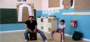 Javi enseñó a César a tocar el cajón cuando tenía diez años.