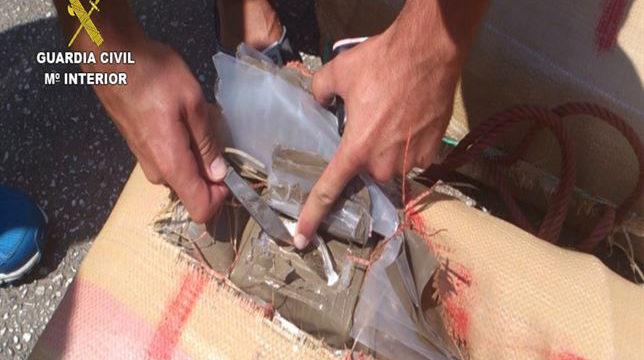 La Guardia Civil arresta a 47 miembros de una red dedicada a la importación de droga
