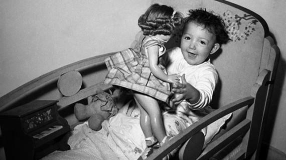 Una exposición virtual recupera imágenes de los juguetes más conocidos del siglo XX