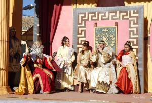 Herodes llama a los Reyes Magos a su palacio. / http://www.autoreyesmagos.com