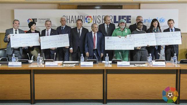 Destinan los fondos recaudados en el partido 'Champions for Life' a cinco proyectos de cooperación