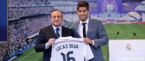 Florentino Pérez y Lucas Silva. / Foto: Real Madrid.