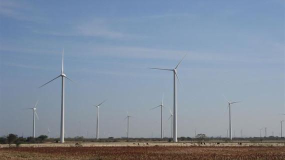 Tres empresas españolas participan en un plan de desarrollo de parques eólicos en México