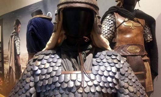 El vestuario de la película 'Exodus' se exhibe en el Museo del Traje de Madrid