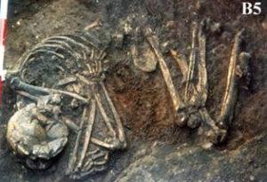 Diez de los 15 cuerpos de han sido datados mediante un análisis por carbono 14.