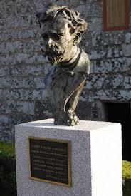 Escultura de Ramón Verea en su pueblo natal.