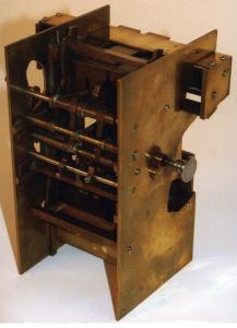 La máquina de cálculo que inventó el gallego y que se conserva en la sede de IBM en NY