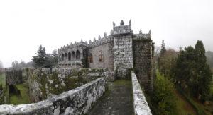 Paseo por los jardines del castillo de Soutomaior. / http://www.vivirgaliciaturismo.com