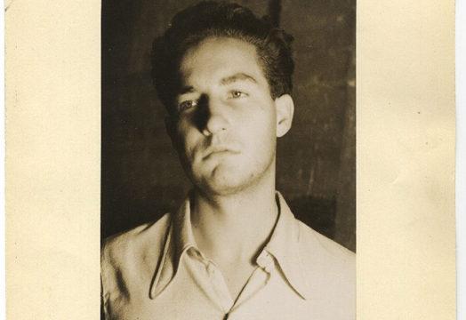 La exposición 'Octavio Paz: Guerra, Censura y Libertad' reúne imágenes inéditas del escritor en España
