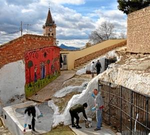 Los vecinos de Villena celebrando la 'encalija'