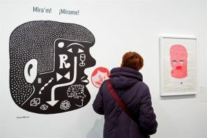 Visitante a la exposición. / Foto: Obra Social La Caixa.