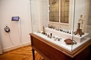 El estetoscopio de Gregorio Marañón también se exhibe en esta exposición.