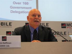 El consejero delegado de GSMA, John Hoffma.