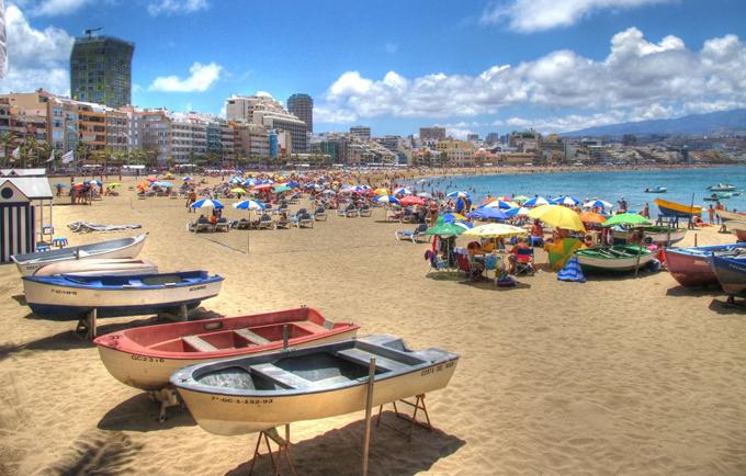 Playa de Las Canteras, en las Islas Canarias. / Foto: Flickr