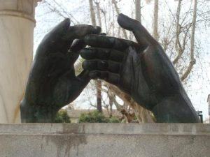 Monumento a los Enamorados en Córdoba. / http://estherrisb.blogspot.com.es