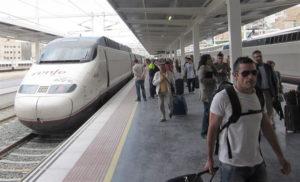 El tren incrementa su número de viajeros. / Foto: Europa Press