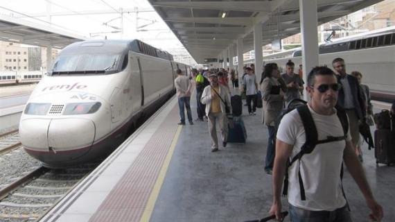 Renfe empieza a ofrecer 'wifi' en las estaciones de Cercanías de Getafe centro y Plaza Catalunya