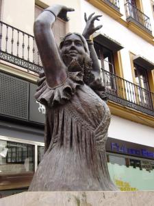 Estatua de Pastora Imperio, encargo de la Duquesa de Alba.