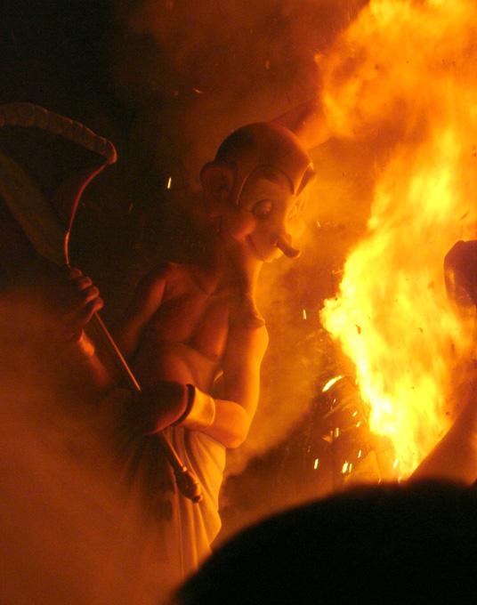 Más de 400 bomberos garantizarán la seguridad durante la 'cremà' en la provincia de Valencia