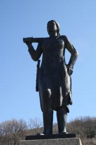 Monumento a la serrana de la Vera.