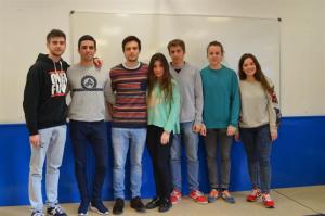 Ocho estudiantes del CEU, premiados por el proyecto 'El fútbol es así'.