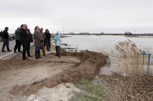 El Ebro remite tras la crecida.