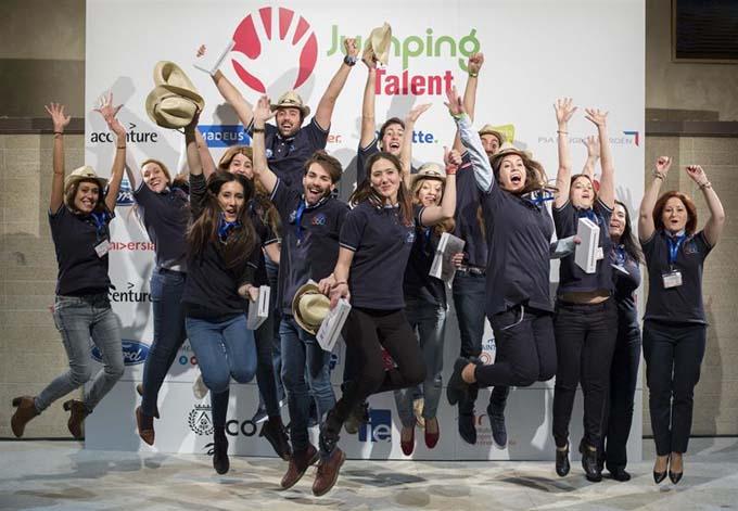 Nueve jóvenes universitarios ganan la III edición de Jumping Talent