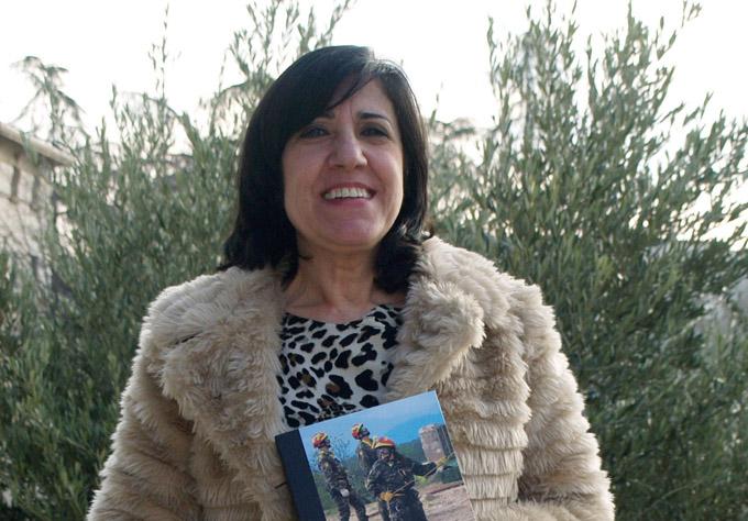 Un libro analiza la incorporación de la mujer al Ejército en España entre 1988 y 2011