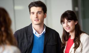 En una escena de la película que estrena estos días, 'Perdiendo el norte', con Úrsula Corberó.