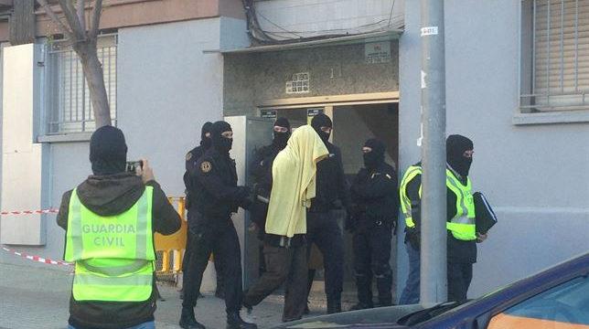 Detenidas en Badalona cuatro personas por el envío de yihadistas a Siria
