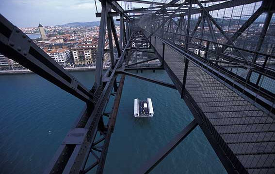 El Puente de Vizcaya, el puente transbordador más antiguo del mundo