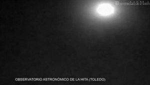 El asteroide surca el cielo de Toledo.