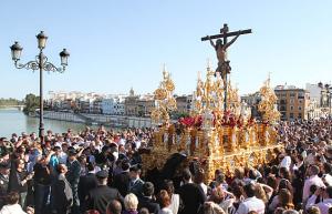 Semana Santa sevillana. / http://www.hotelbecquer.com